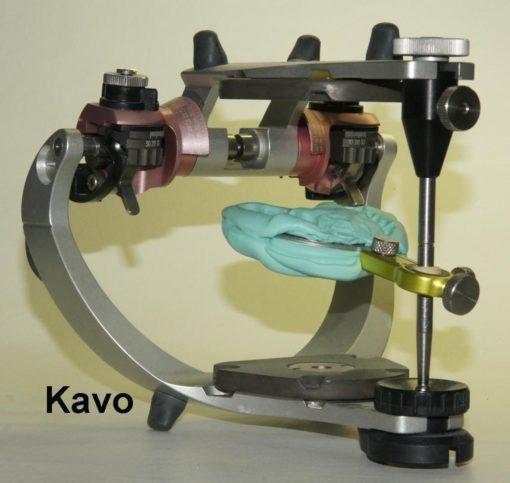 8-forchetta con staffa su articolatore Kavo