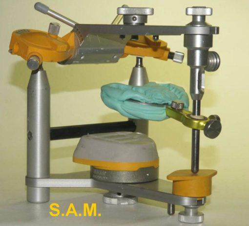 9-forchetta con staffa su articolatore S.A.M